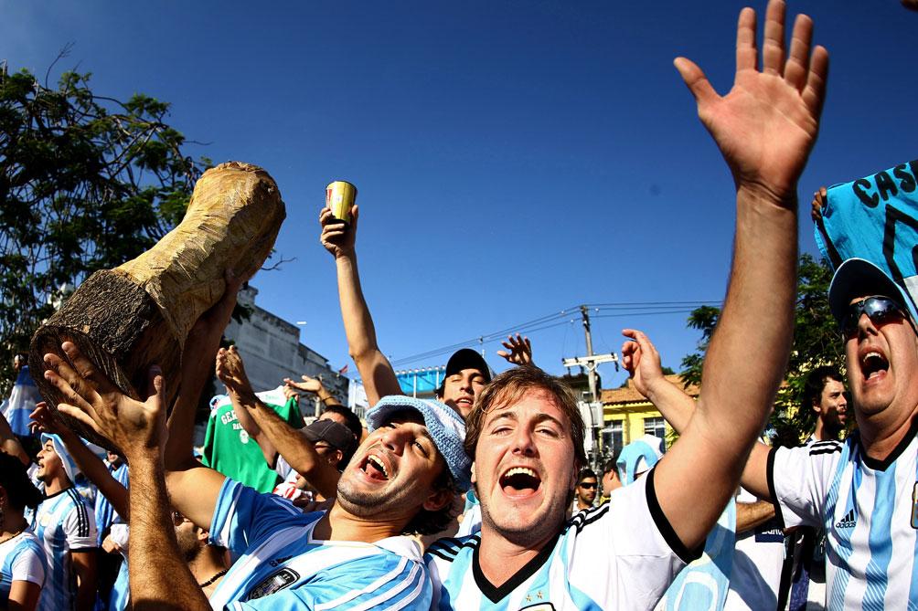 Además de disfrutar de las playas de Rio, los albicelestes disfrutaron de su infaltable asado – www.telam.com.ar