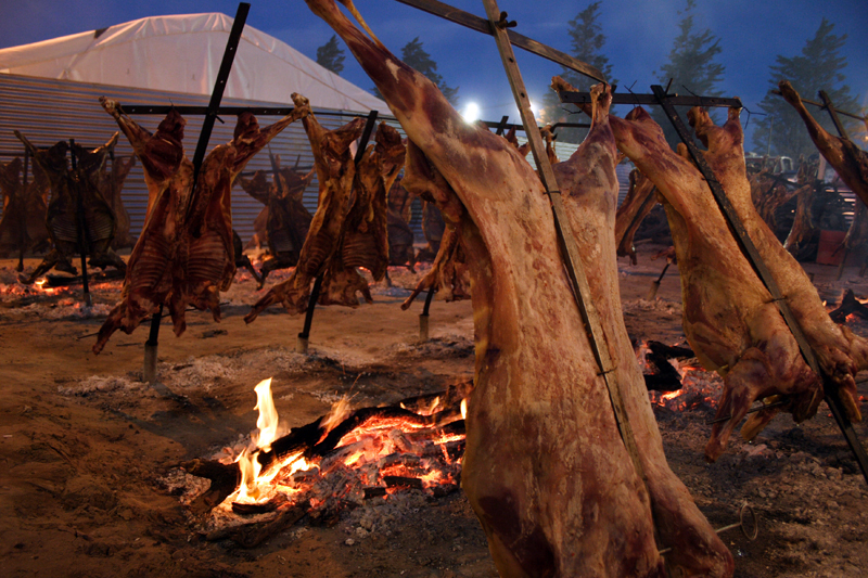 Asado a la cruz. Foto Flickr: Christian Ostrosky